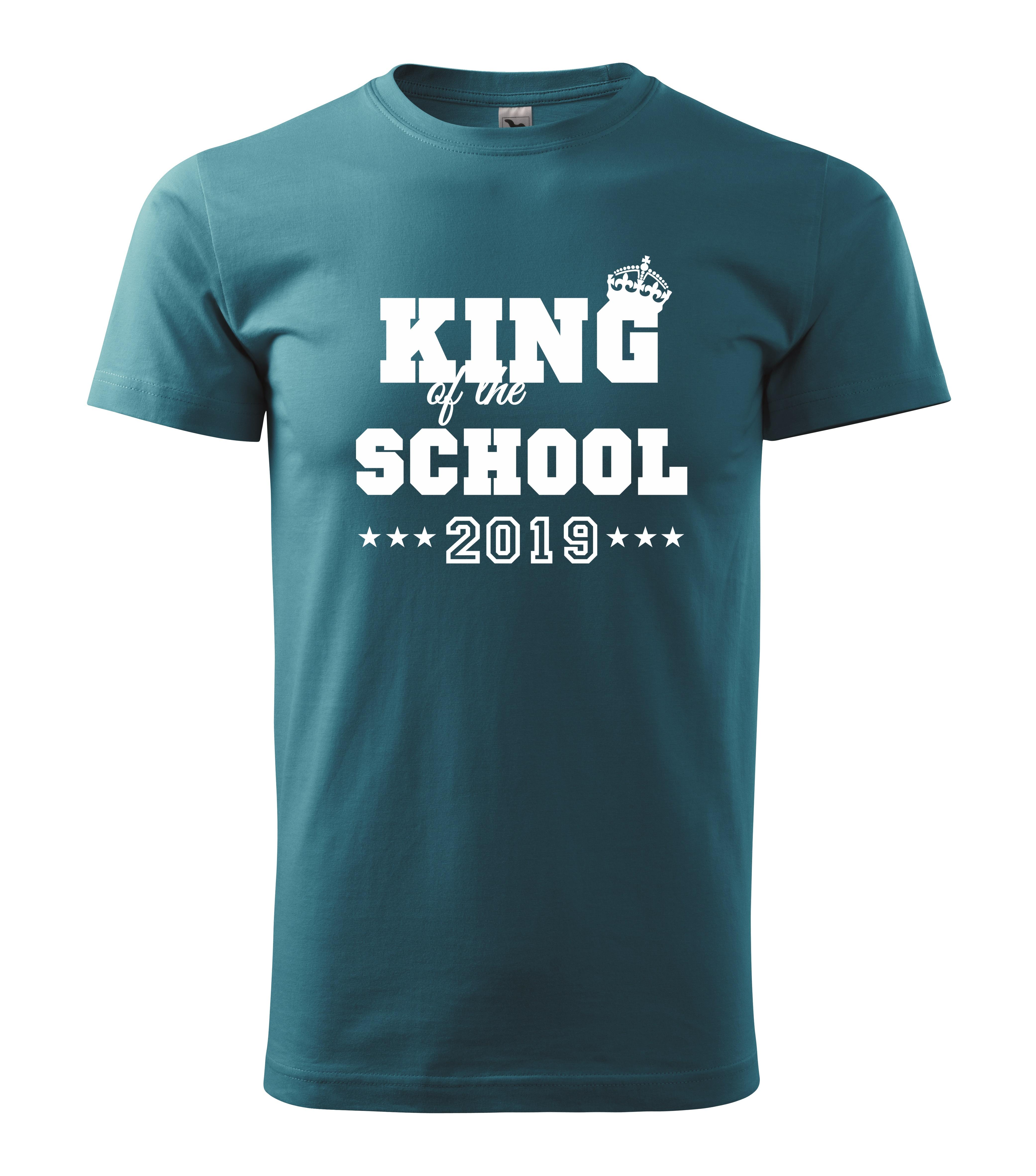 Vytvořte si třídní tričko podle Vašich představ. Prohlédněte si návrhy na  přední a zadní stranu trička. Grafické návrhy si můžete v objednávkovém  formuláři ... b60c72d975